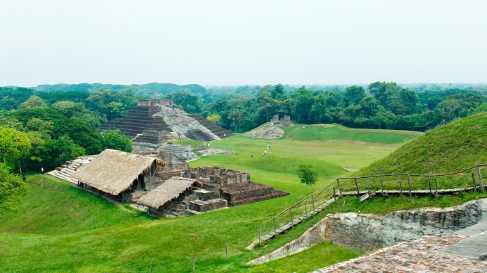 Yacimiento de Comalcalco