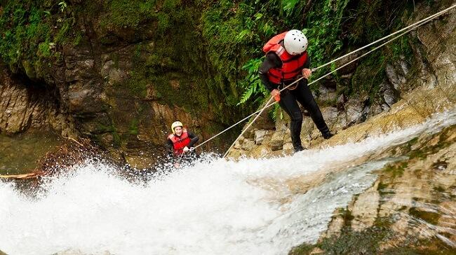 Rappel en la cascada Tamul