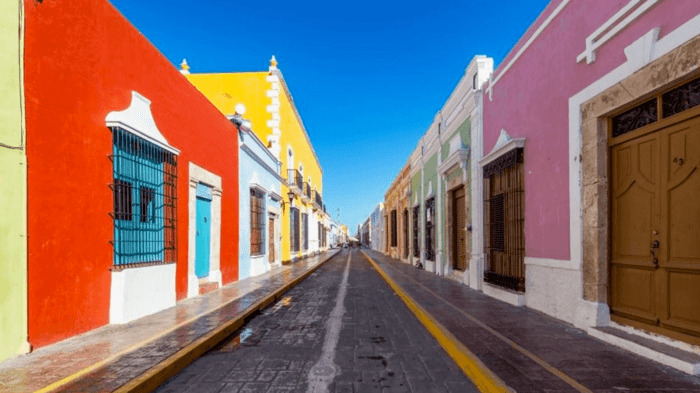 calles bonitas en campeche mexico