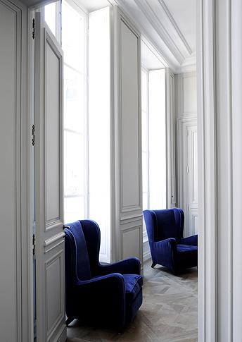 blue velvet chesterfield sofa best leather reclining sectional on trend: interiors ⋆ vkvvisuals.com/blog