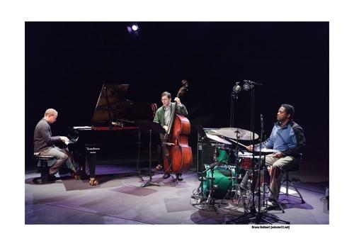 Craig Taborn Trio door Bruno Bollaert