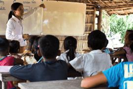 Volunteer Cambodia 4 min Children with Hope for Development