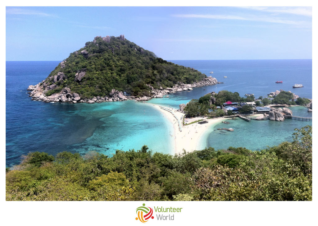 koh tao islands with sea and sand