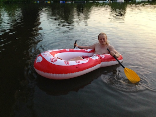 I has a free rubber boat!