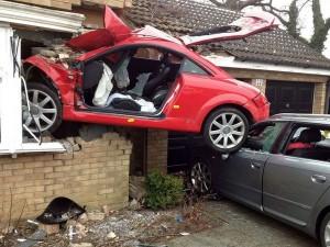 S7-La-question-pas-si-bete-Les-voitures-rouges-ont-elles-plus-d-accidents-100808