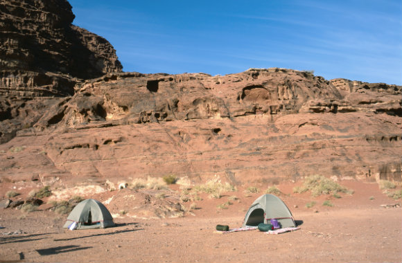 two-tents-in-wadi-rum-jordan-dp