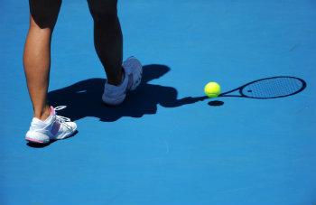 female-shadow-playing-on-hardcourt-dp