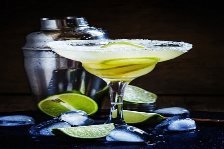 5 Simple Cocktail Recipes You Can Try At Home