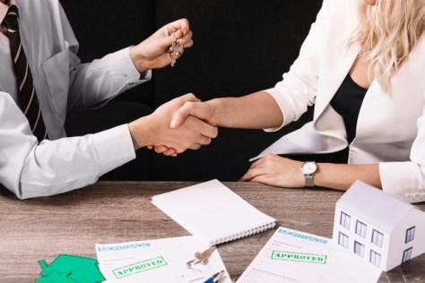 Comisión por ventas a un agente