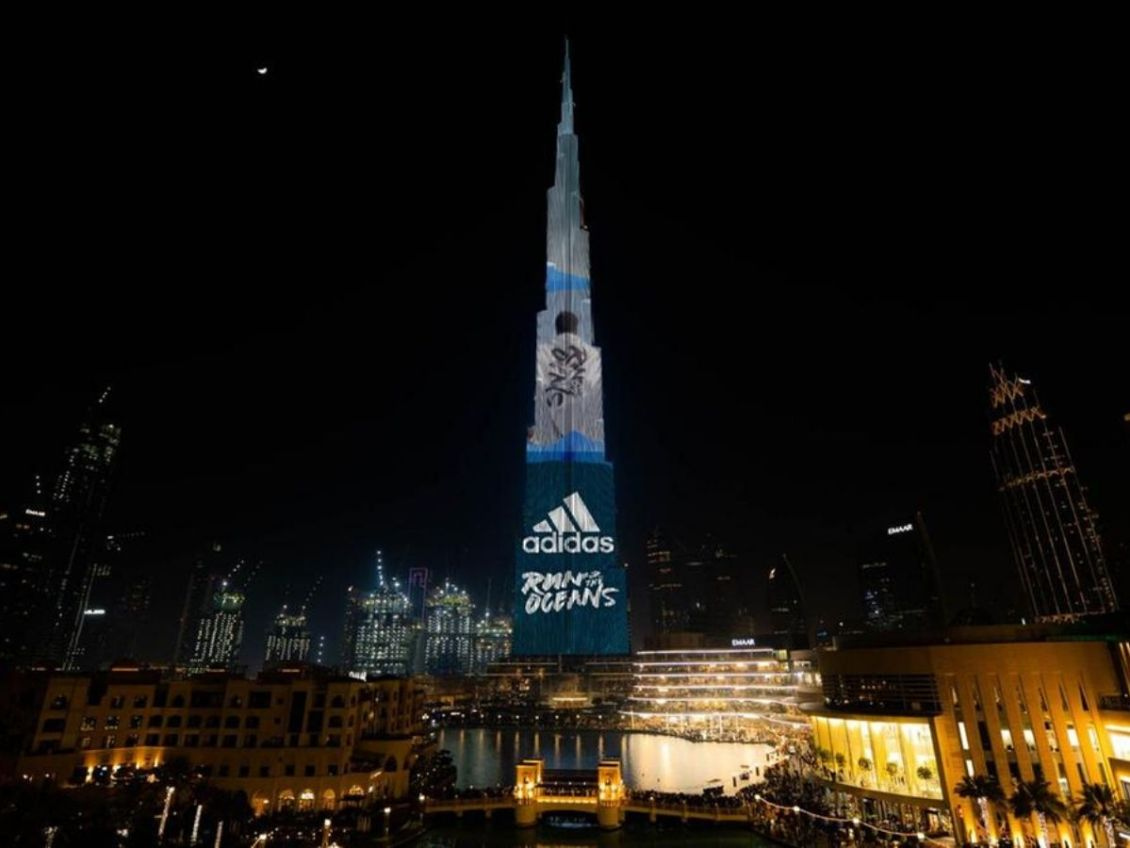 burj-khalifa-light-display-adidas