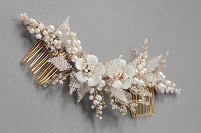 floral style hair comb