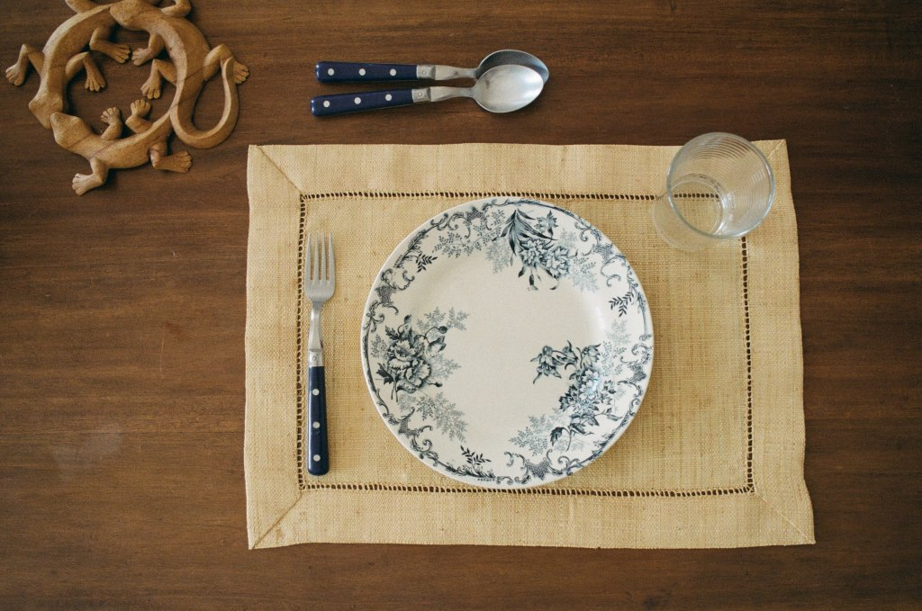 Empty plate to lose weight by fasting