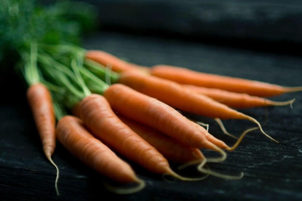 Carrots as vegetable high in fiber