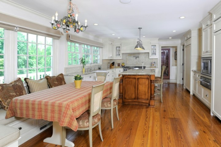 16-Greenbriar-Lane-Greenwich-CT-Real-Estate-Kitchen-2