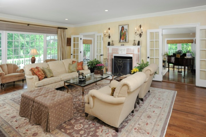 16-Greenbriar-Lane-Greenwich-CT-Real-Estate-Living-Room