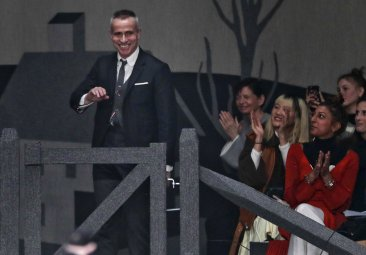As he leaves for Paris, NY fashion world fetes Thom Browne