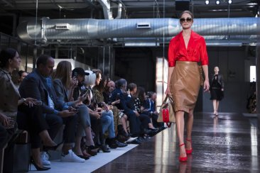 Tisci's first Burberry show a London Fashion Week hit