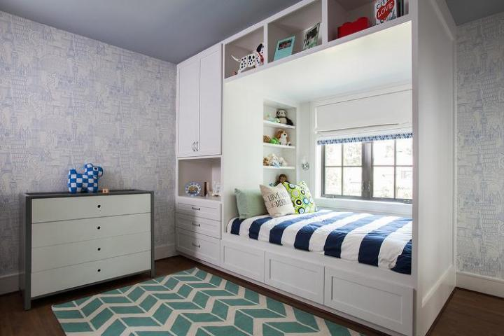 globetrotter-blue-wallpaper-kids-built-in-bed-window-seat-surya-fallon-rug-decorpad