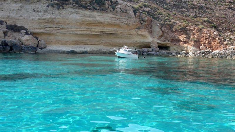 Cala Pulcino Una Meravigliosa Spiaggia Nascosta A Lampedusa  WePlaya