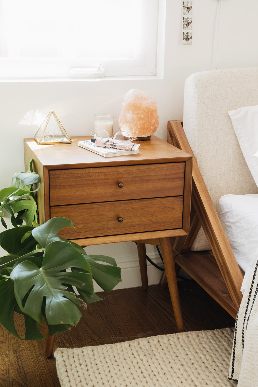 Small Changes Make A Big Impact In This Modern Bedroom
