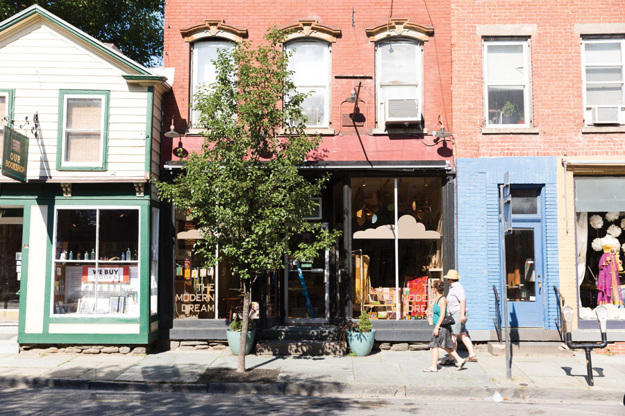 Saugerties A Small Upstate Town with Big Charm  Front  Main