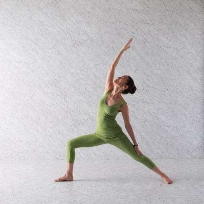 5 Yoga Poses To Help You Kick Off The New Year Right ...