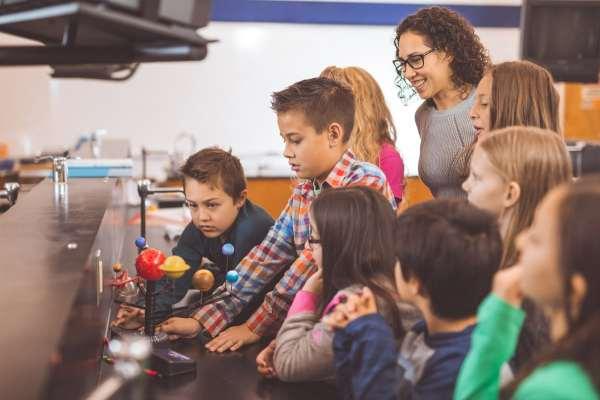 Western Digital Employees Ementoring Stem Students