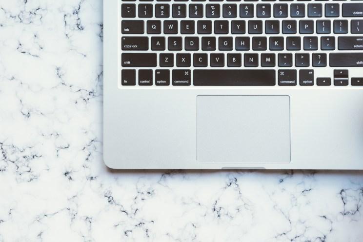 Oceanoid WordPress theme laptop-15