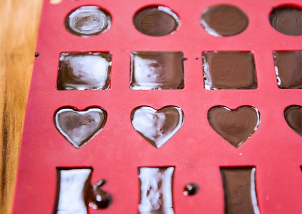 Raw Homemade Chocolates {no tempering!} | Wilderness Family Naturals