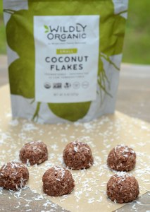 No-Bake Chocolate Coconut Macaroons {gluten-free, vegan, paleo, no refined sugar}