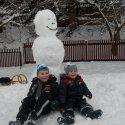 Und noch zwei fleißige Schneemannerbauer