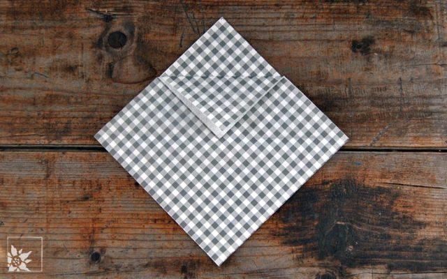 servietten als bestecktasche falten blog wohlgeraten. Black Bedroom Furniture Sets. Home Design Ideas