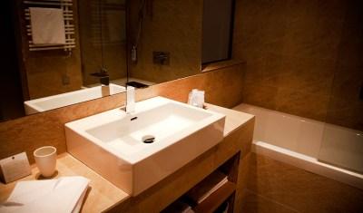 badezimmer-tauerspa-hotel