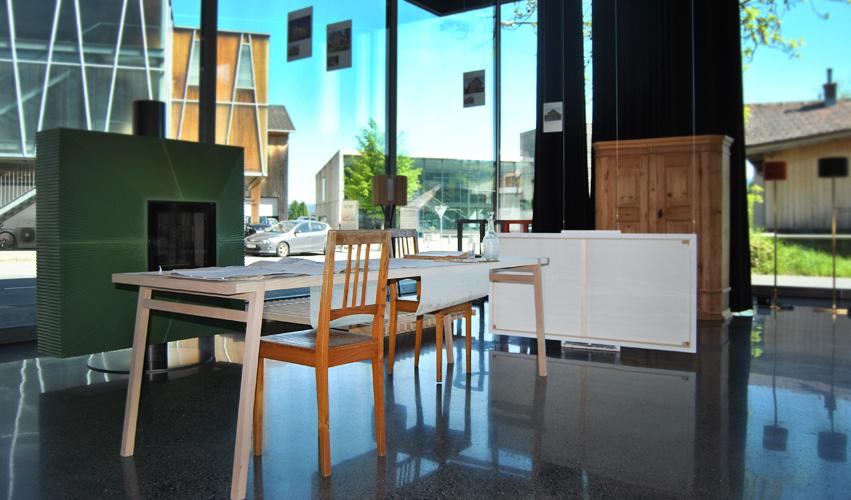 Tisch im Werkraumhaus Andelsbuch Bregenzerwald