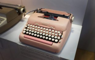 smith-corona-compact-1954