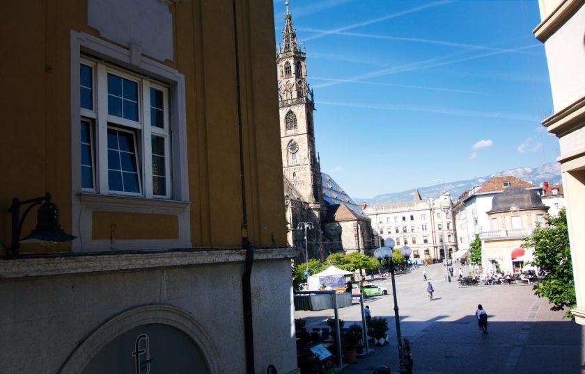 Fensterausblick zum Dom - Hotel Greif Bozen