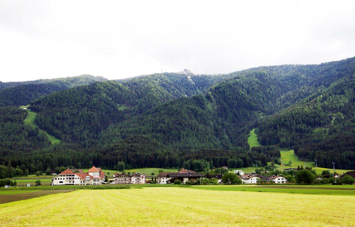 Pustertal bei Bruneck – Blick zum Kronplatz