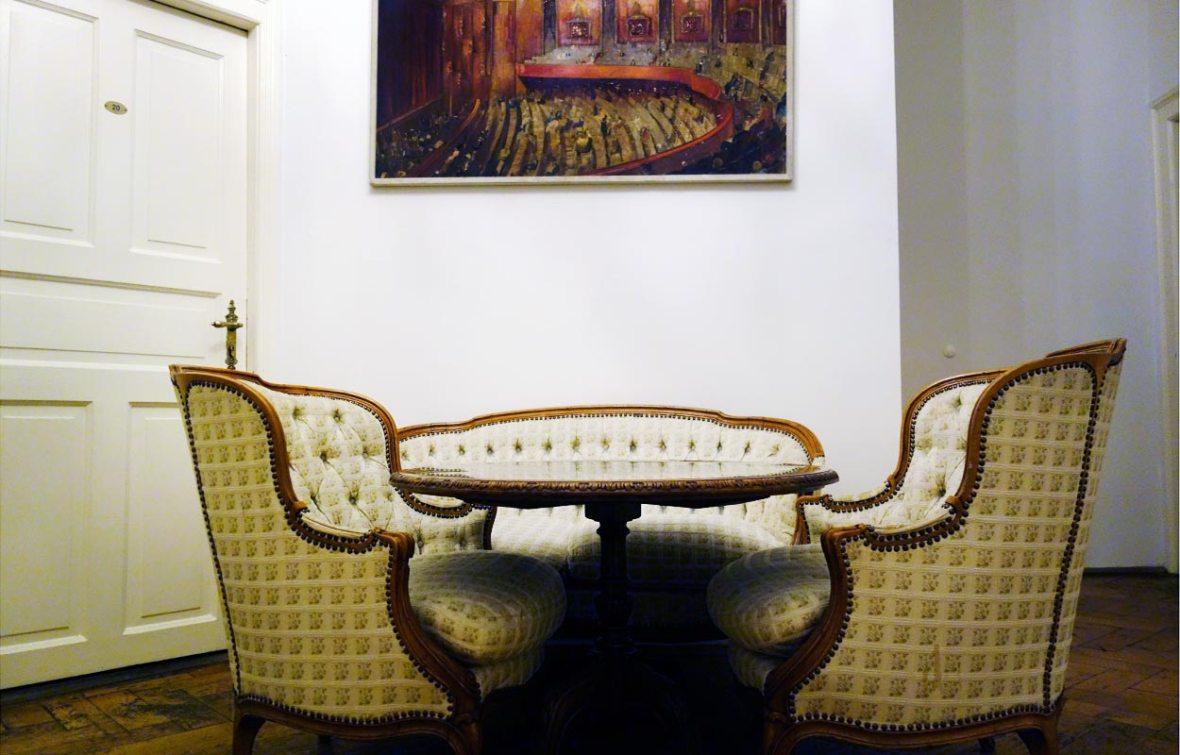 Sitzgruppe im Flur
