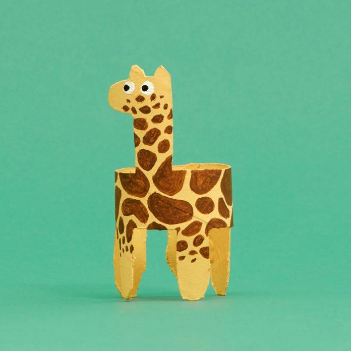 Giraffe toilet paper