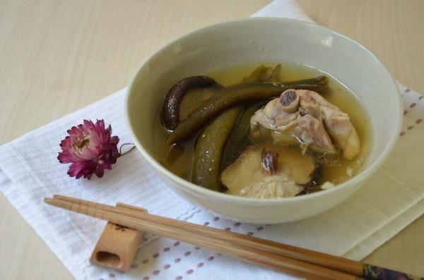剝皮辣椒香菇雞湯06