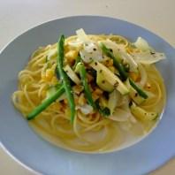 白醬蘆筍櫛瓜蔬食義大利麵