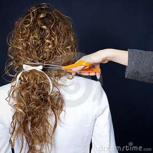 curly-hair-scissor