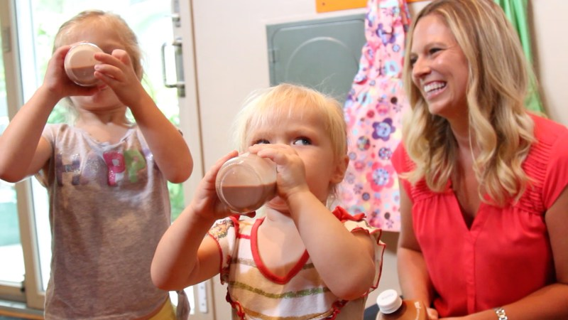 girls-drinking-chocolate-milk