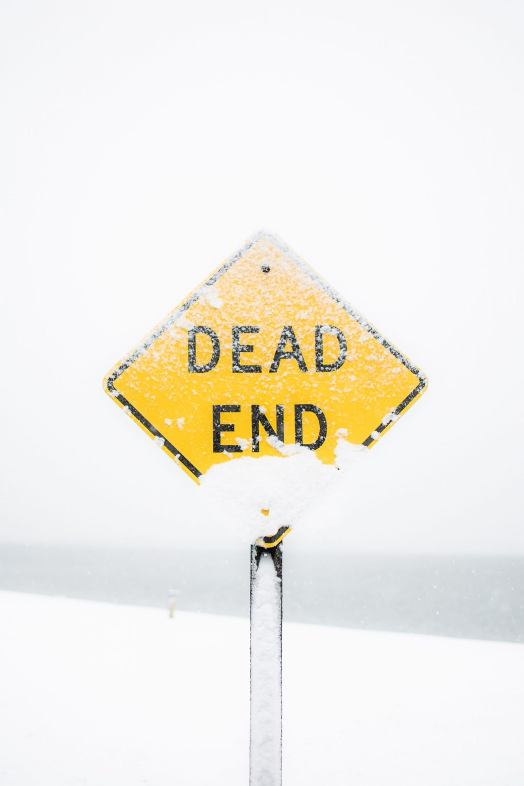 Dead end road sign.