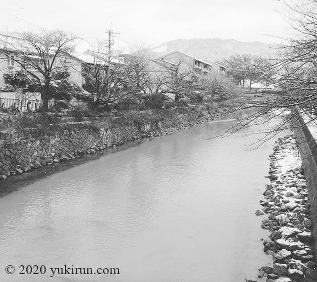 おはようございます~今日の大文字山、雪で真っ白!#kyoto  #daimonjiyama #snow #japan