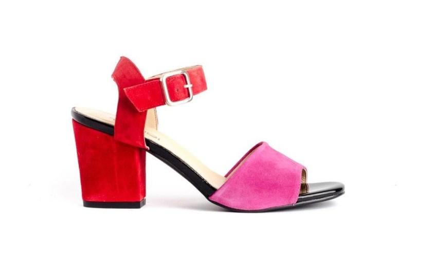 Sandalia de piel con tacón ancho y de colores rojo y rosa: Tambi Noa