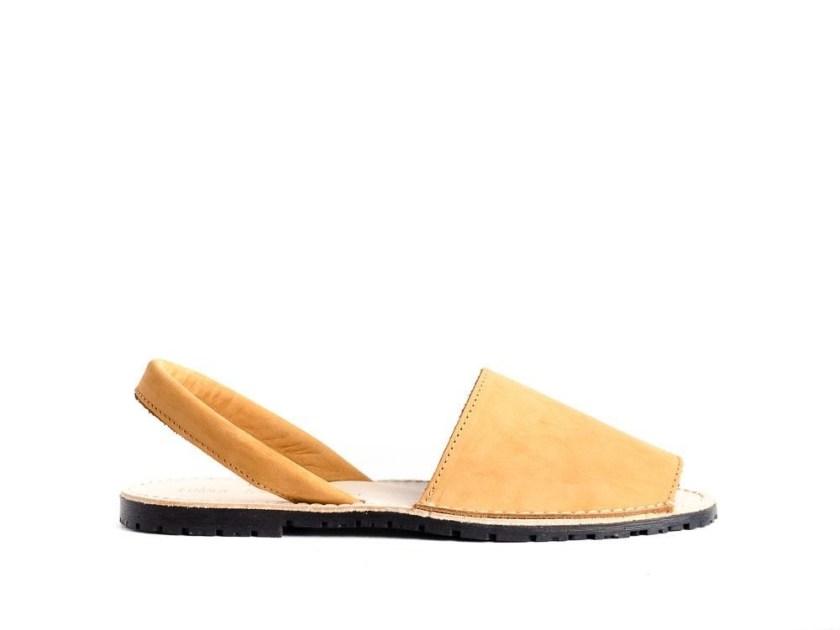 sandalias estilo menorquinas color amarillo para mujer