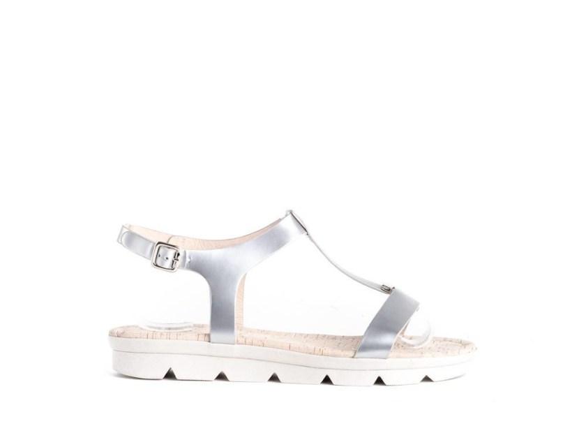 sandalias plateadas con piso de goma para niña