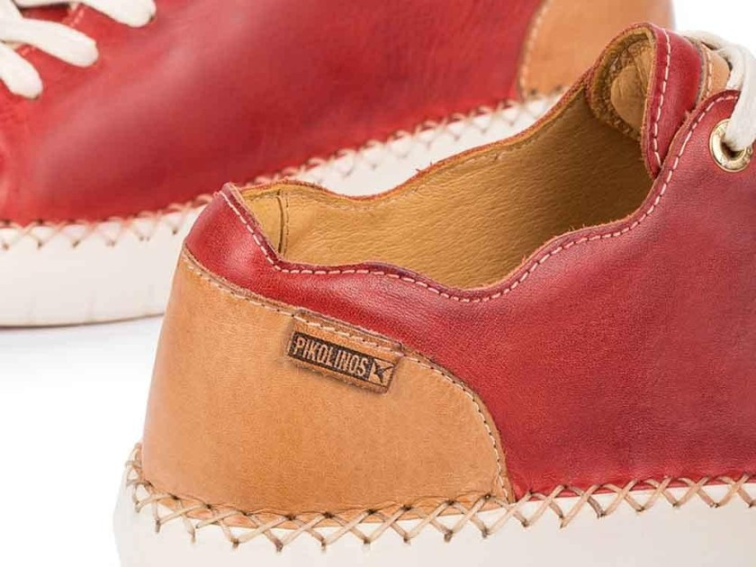 Pikolinos rojos y marrón claro como los de Ariadne Artiles