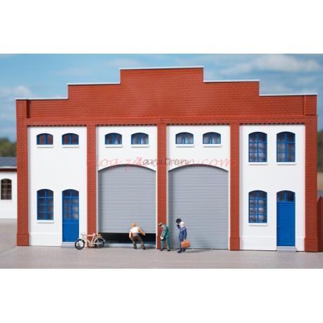 Auhagen - Marcos de pared color Blanco, puertas de color verde y persianas grises, Escala H0, Ref: 80729